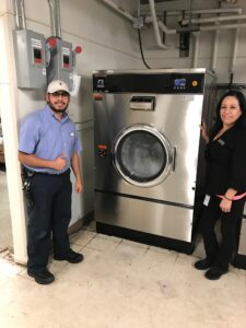 what to look for when purchasing commercial laundry equipment 1